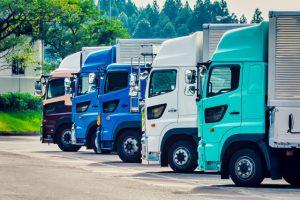 大型車両(バス・トラック)から特殊車両も普通乗用車同様に自社認定車検場にて検査