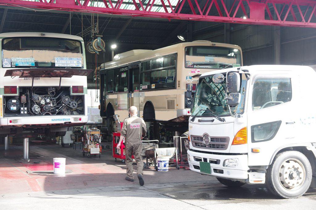 バス、トラック、どんな整備でもお任せあれ